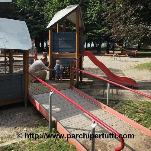 Perché sono importanti i parchi inclusivi per i bambini?