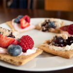7 whole grain crackers with fruit