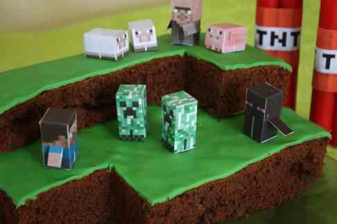 Le gâteau et ses habitants