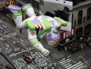 Buzz l'éclair (2012)