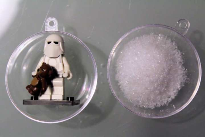 Boule de Noël Lego Snowtrooper (4)