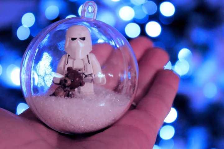 Boule de Noël Lego Snowtrooper (5)