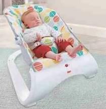Baby sleep in the comfort curve bouncer
