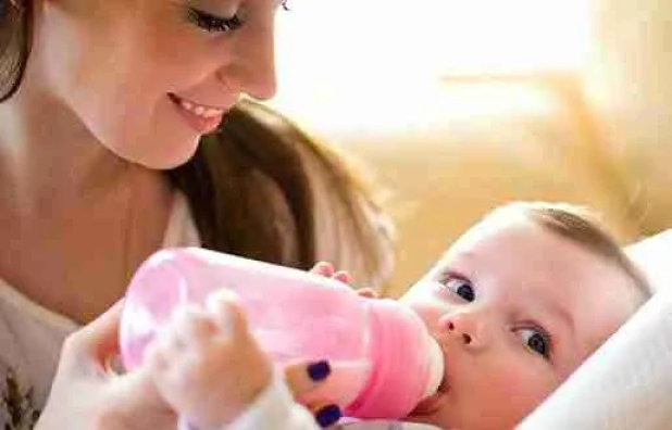 How to bottle feed a baby