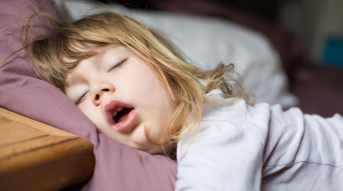 Winks: When Your Kid Can't Fall Asleep Alone   ParentMap