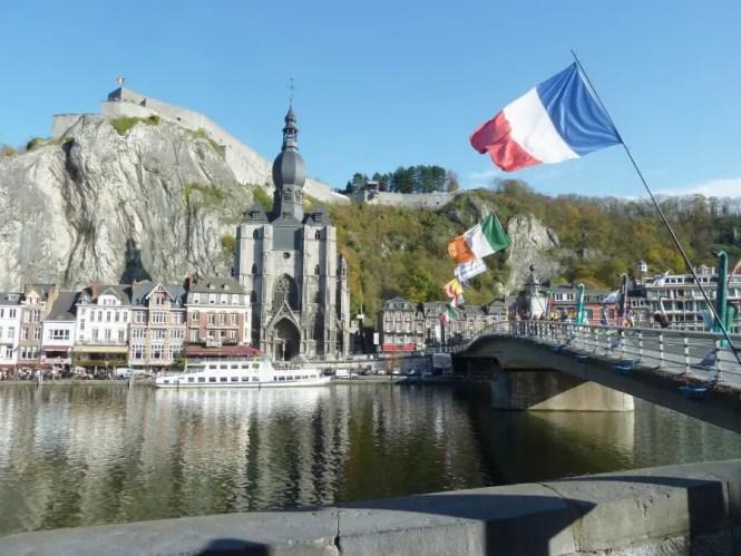 vue sur Dinant de son église et de sa montagne, blog voyage famille