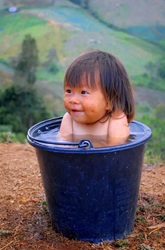 bébé, canicule, se rafraichir, baignade,se proteger du soleil,voyage et enfant, voayger avec bébé