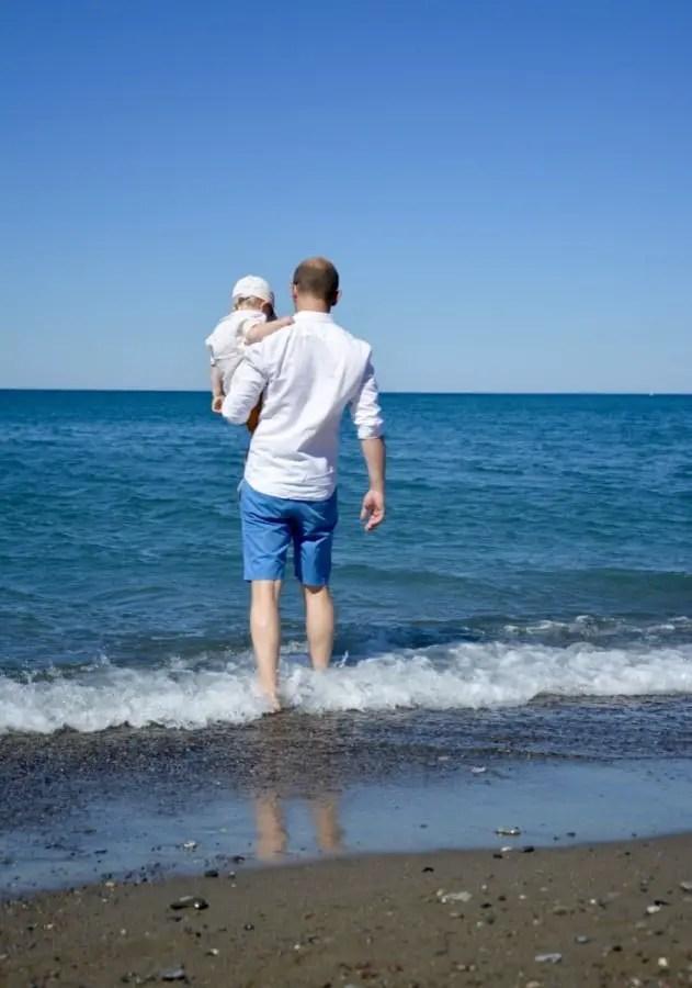 Les 10 commandements des parents qui vont à la plage avec bébé.plage,bébé,paradisiaque,enfant,voyage,plage avec bébé, brassard,mer,kid,pinède,méditerrannée,thumb_DSC_0028_1024