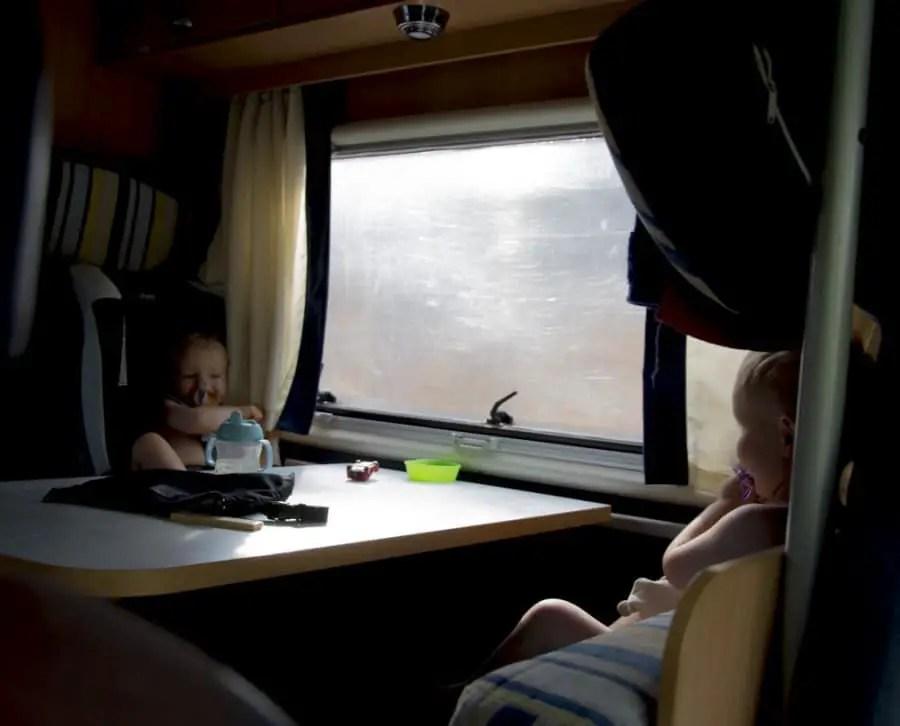 road-trip en camping-car sardaigne en famille_5- Voyager en camping-car avec des enfants