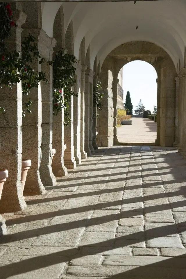Que faire à El escorial, arcades du monastère