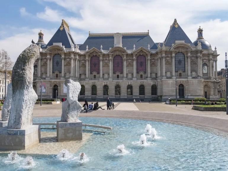 vue du palais des beaux arts lille en famille