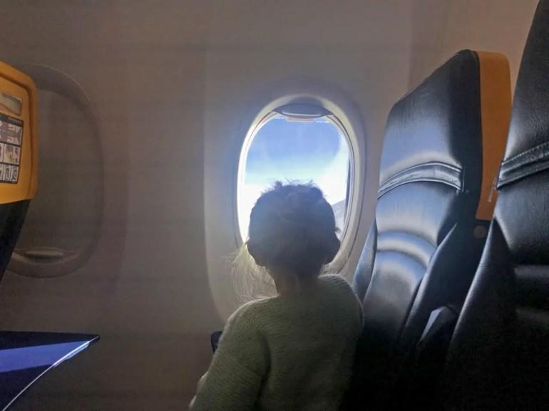 Comment voyager léger avec des enfants ? mes astuces pour optimiser vos bagages !