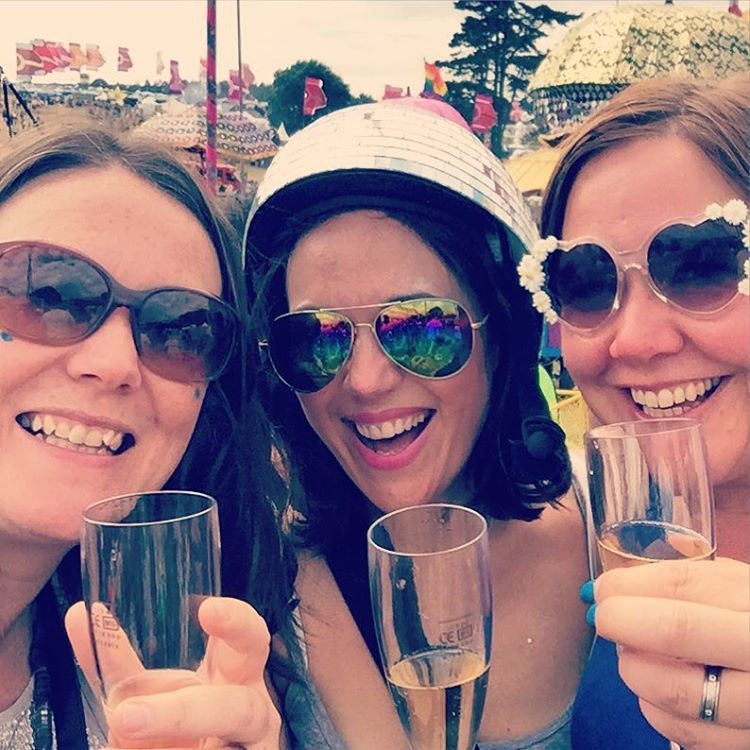 Lovely to quaff fizz with you @thetwinklesmama @mygorgboys @campbestival #campbestival
