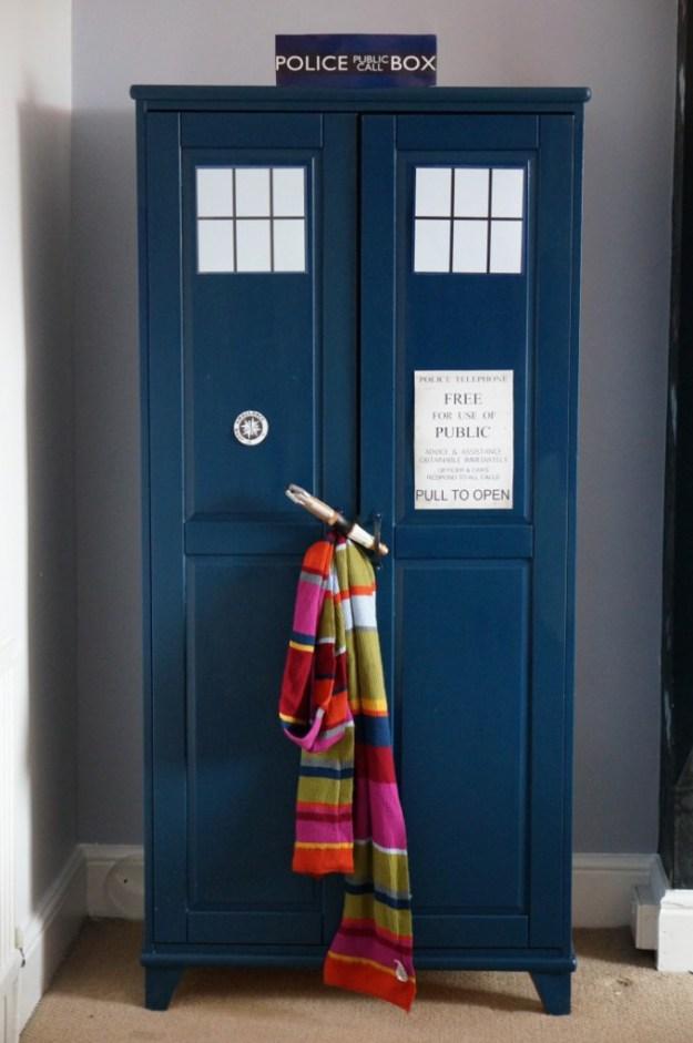 How-to-make-a-Dr-Who-Tardis-Wardrobe-03-680x1024