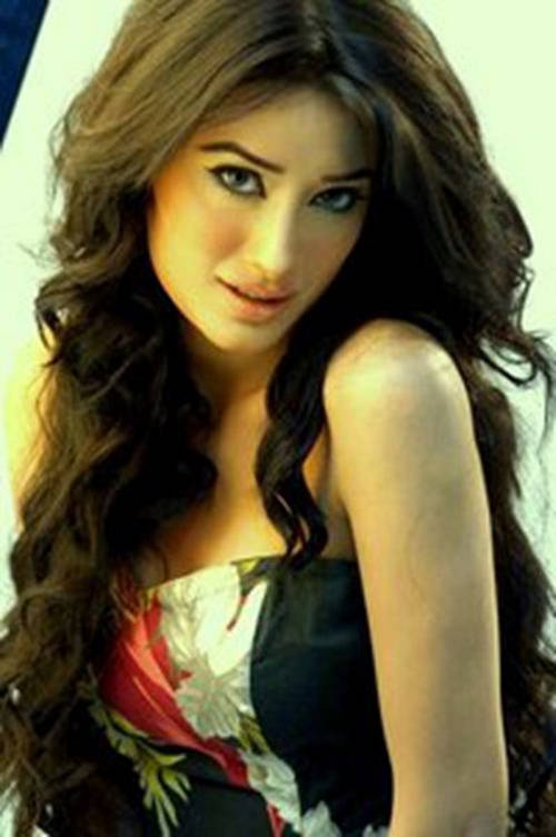 Simple Girl Wallpapers 2010 Celebrity In Focus Mehwish Hayat Parhlo