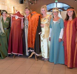 On a tiré l'aiguille à «l'Atelier costumes médiévaux» - 15/08/2017 - ladepeche.fr