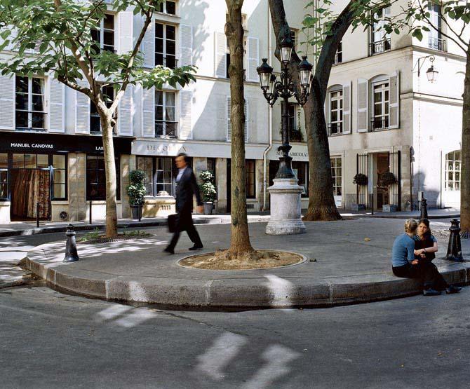 La place de Furstenberg  PARIS  NU