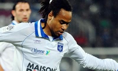 L1 : Auxerre sort de la zone rouge