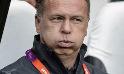 Mano Menezes viré par le Brésil