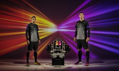 Video : Ibrahimovic et Van der Wiel roulent pour Nike