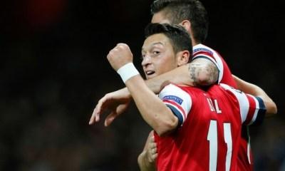 LDC - Chambreur, Özil remercie Lugogorets pour la première place d'Arsenal