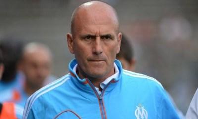 """Elie Baup avoue que c'est """"difficile à vivre"""" pour un Marseillais de voir le PSG """"largement devant"""""""