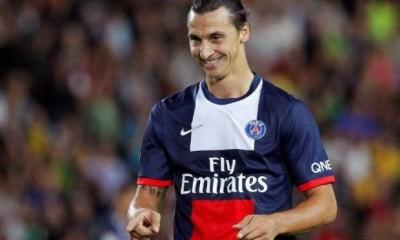 Zlatan Ibrahimovic farceur, même en pleine séance de dédicaces