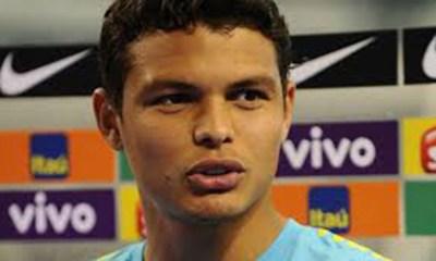 """Cris """"La défense centrale du Brésil devrait être Thiago Silva - Marquinhos"""""""