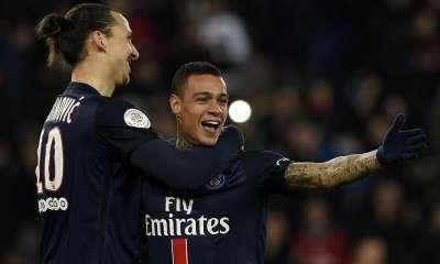 Selon L'Equipe21 «Van der Wiel et Ibrahimovic se seraient embrouillés à la mi-temps de Troyes-PSG» «Le Néerlandais aurait quitté le vestiaire. »
