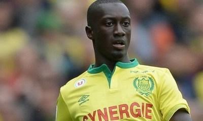 Youssouf Sabaly suivi par le sélectionneur du Sénégal