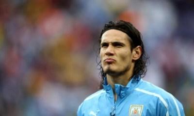 Finalement, Cavani fait l'entraînement pour être titulaire lors de Chili/Uruguay