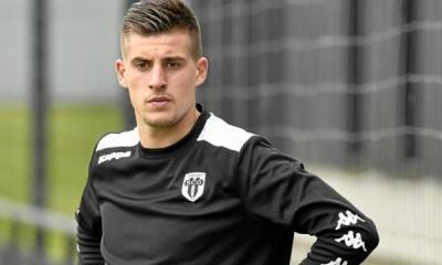 Angers/PSG : Santamaria «C'est agaçant parce que la faute sifflée ne fait pas partie du jeu»