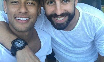 """Neymar et Lionel Messi se moquent du """"Se queda"""" de Piqué"""