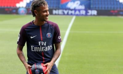 Neymar pourrait être contraint à attendre la 3e journée de Ligue 1 pour jouer, explique RMC