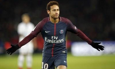 Neymar Jr serait moins apprécié par les brésiliens depuis un certain temps selon Rozenbaum
