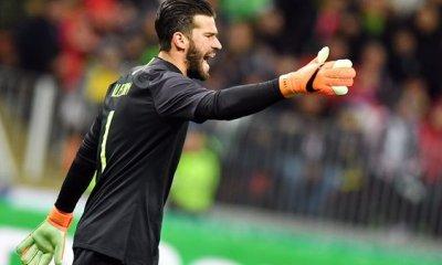 "Mercato - L'agent d'Alisson dément être en contact le PSG, qui est ""un super club"""