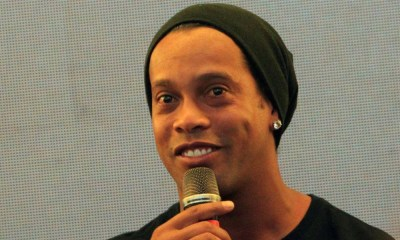 """Ronaldinho """"Vous avez besoin de temps pour réunir une équipe victorieuse"""""""