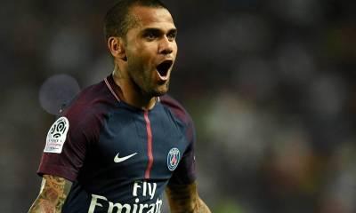 Dani Alves a été opéré à Paris ce mardi et le PSG a une bonne nouvelle