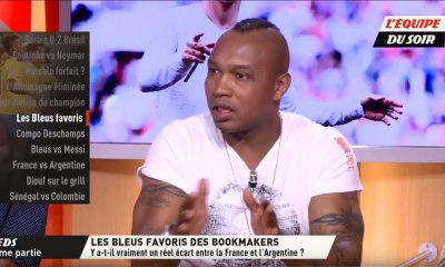 El Hadji Diouf charge Kylian Mbappé avant France - Argentine