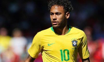 """Brésil/Uruguay - Edinson Cavani revient sur """"l'altercation"""" avec Neymar et dédramatise la situation"""