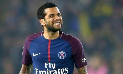 Alves s'exprime sur la Premier League et avoue qu'il aimerait y évoluer
