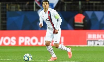 Mercato - Mourinho aimerait attirer Thiago Silva à Tottenham, selon The Sun