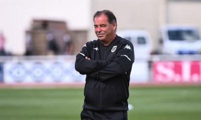 """PSG/Angers - Moulin sait que ce sera """"extrêmement difficile"""" mais garde une part d'espoir"""