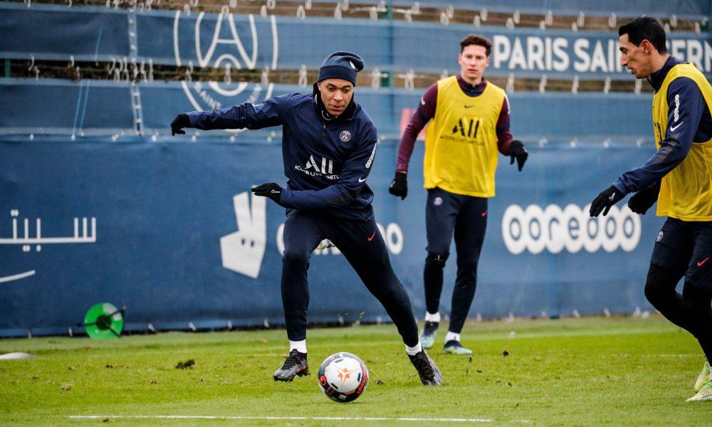 Les images du PSG ce mardi: Courses et ballon à l'entraînement !