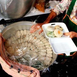 Thailand Travels: Thai Markets & Dumplings for Days