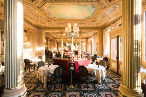 Le Caf De La Paix Un Clbre Caf Trs Parisien LOpra