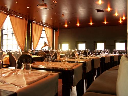 My Boat  Un restaurant pas cher avec une vaste terrasse  la Villette