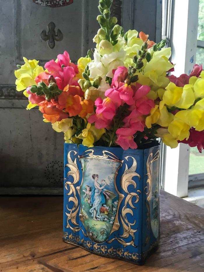 Perfect Farmhouse Flower Arrangements