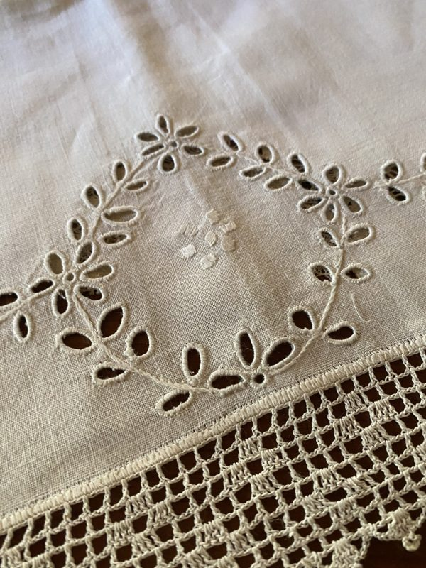 Vintage Linen Pristine Table Runner with Eyelet Detail