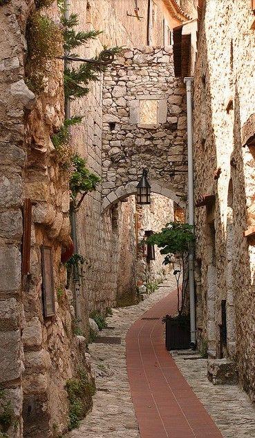 Vilarejos medievais na Frana e suas ruelas  Paris Mania